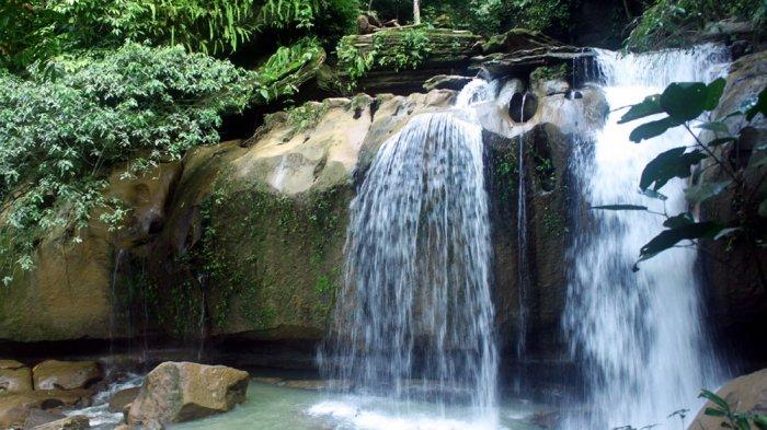 Pemandangan Air Terjun Pelangi di Desa Tanjungtimur, Deliserdang, Sumatera Utara