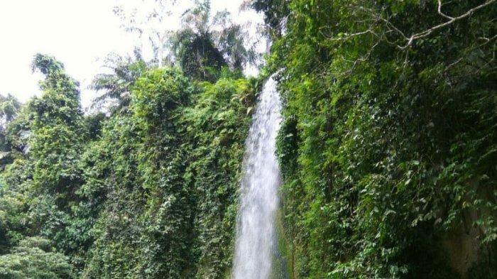 Air Terjun Widuri berada di Dusun III Dolok Merawan, Kecamatan Dolok Merawan, Kabupaten Serdang Bedagai.
