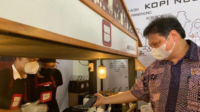 Kunjungan ke Lokasi Usaha, Menko Airlangga Ucapkan Terima Kasih kepada Alumni Kartu Prakerja