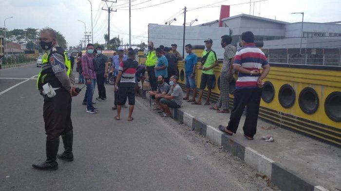 Sopir Angkot Binjai-Medan Mogok Massal di Jalanan