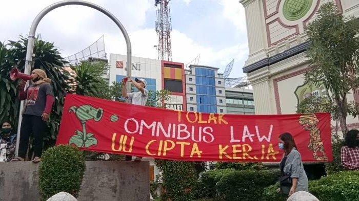 KontraS Kecam Tindakan Semena-mena Polisi Terhadap Demonstran di Medan