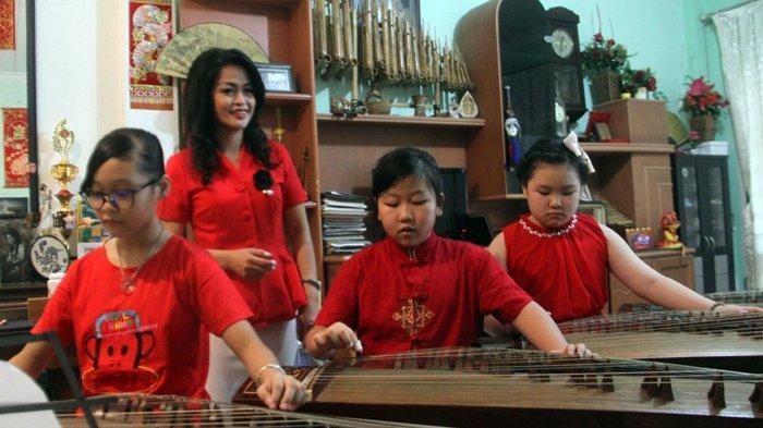 Foto Foto Komunitas Pemusik Kecapi Guzheng Lestarikan Alat Musik Tradisional Tribun Medan