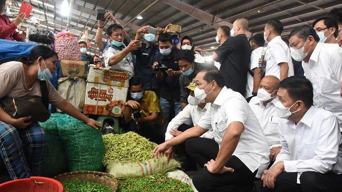 Pastikan Harga Sembako Sumut Stabil, Wabup Deli Serdang Dampingi Mendag Tinjau Pasar Raya MMTC
