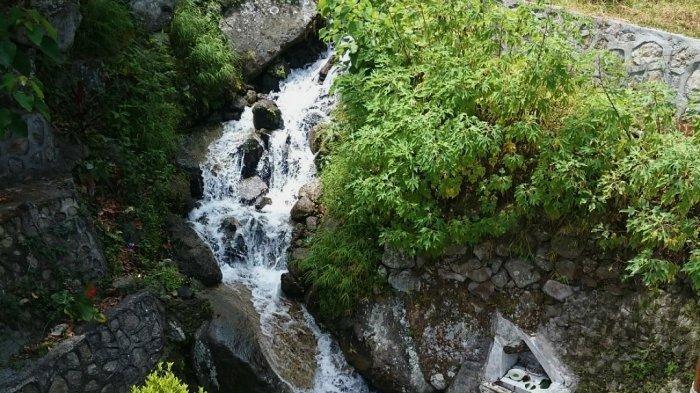 Aek Sipangolu, Air yang Mengalir Deras dari Tancapan Tongkat Raja Sisingamangaraja