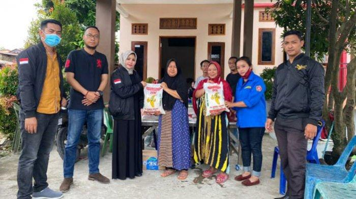 DPC AMS XII Medan Serahkan Bantuan Beras Untuk Korban Banjir