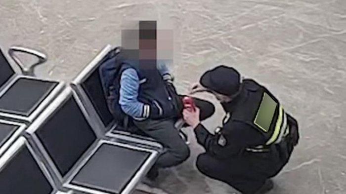 Bocah laki-laki dibawa ke kantor polisi setelah bingung naik taksi sendirian di tengah malam
