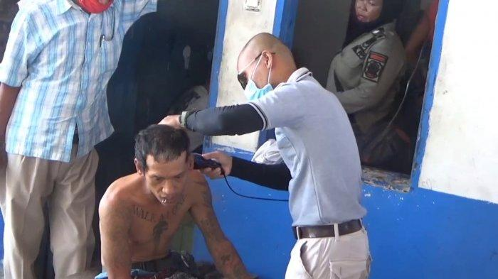 Anak Punk Sedang Memasak saat Dirazia Satpol PP Tanjungbalai, Huni Bangunan Tua Jaman Kolonial