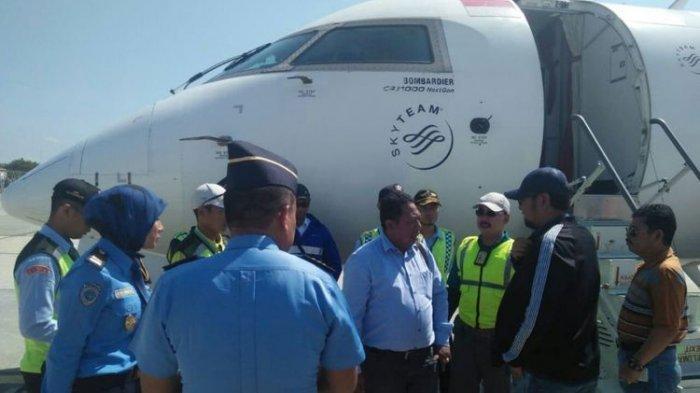 Naik Pesawat, Dua Anggota DPRD Bercanda Bilang Ada Bom!  Disuruh Turun dan Diperiksa Polisi