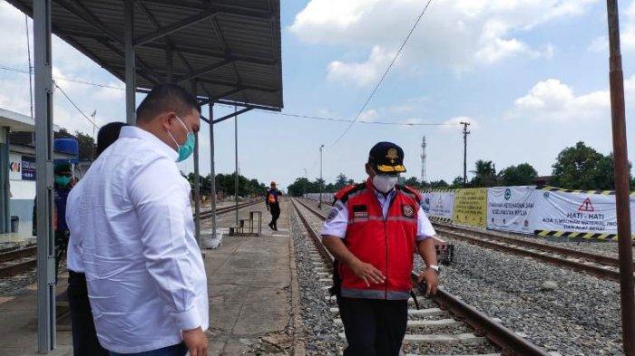 Pantau Jalur Kereta Api di Pakam, Anggota DPR RI Ini Singgung Soal Jalan Tol di Karo