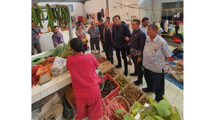 Gula Pasir Langka di Toba, Anggota DPR RI Ini Langsung Tinjau Pasar Pasar Lumban Julu