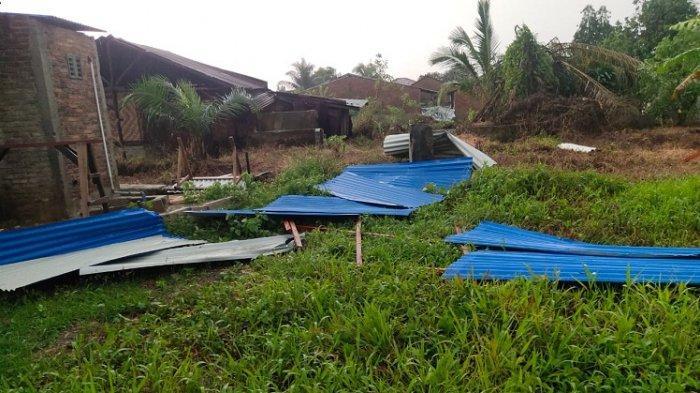 Angin Kencang di Kecamatan Biru-Biru, Atap Rumah Warga Beterbangan