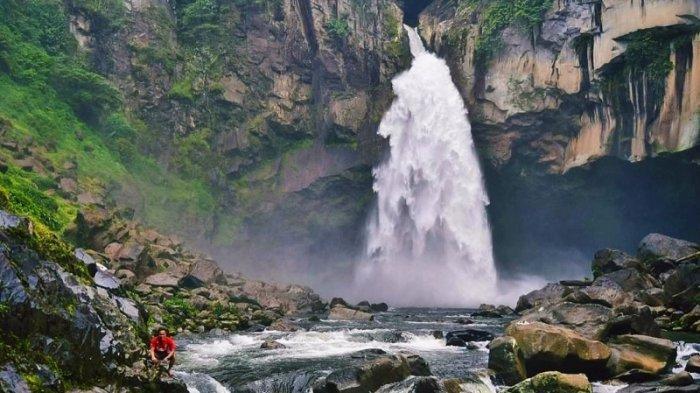 4 Air Terjun di Sumut Yang Wajib Kamu Sambangi, Ada yang Lokasinya Tersembunyi