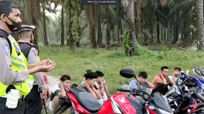 Gerombolan Anak Kampung Bikin Resah saat Asmara Subuh di Kebun Sawit, 18 Kena Razia dan Ditilang