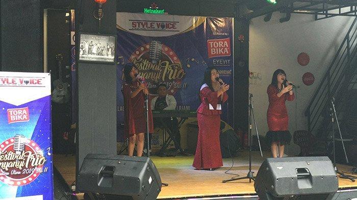 Fasilitasi Festival Penyanyi Trio se-Sumut, Rey Kafe Ikut Dukung Industri Musik Batak