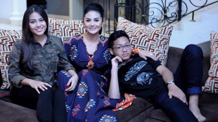 Aurel Hermansyah, Krisdayanti, dan Azriel Hermansyah