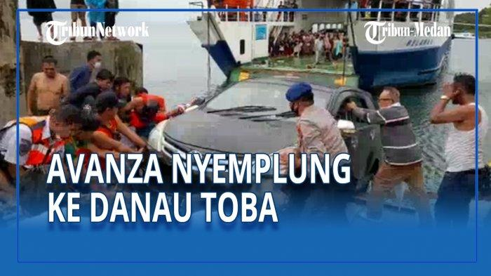Keluar dari KMP Ihan Batak mobil Avanza BK 1421 QP terjatuh ke Danau Toba di dekat Dermaga Simanindo, Senin (31/5/2021).