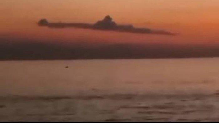 TEREKAM: Video Awan di Bali Disebut Mirip Kapal Selam KRI Nanggala-402