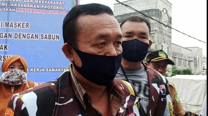 Cegah Kluster Baru, Polrestabes dan Ormas Bagikan Masker di Pasar Tradisional Medan Perjuangan