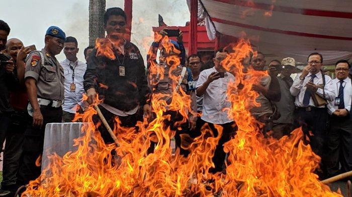 VIDEO : Uang Palsu 1,5 Miliar Dimusnahkan Polda Sumut dan Bank Indonesia
