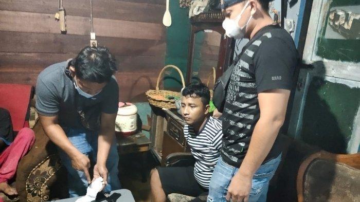 Petugas Polres Tanjungbalai Tangkap Bandar Sabu Ketengan dari Kediamannya