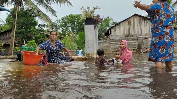 Warga Korban Banjir di Asahan Kesulitan Dapat Air Bersih, Mulai Diserang Penyakit Kulit