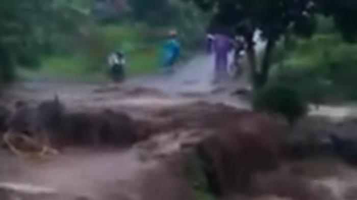 BREAKING NEWS: Padangsidimpuan Dihantam Banjir Bandang, 5 Hanyut, 4 Meninggal Dunia