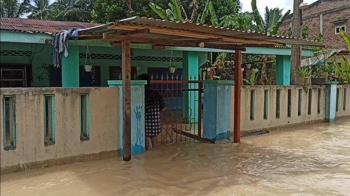 Banjir Rendam Satu Desa di Asahan, Ketinggian Air Sepinggang Orang Dewasa