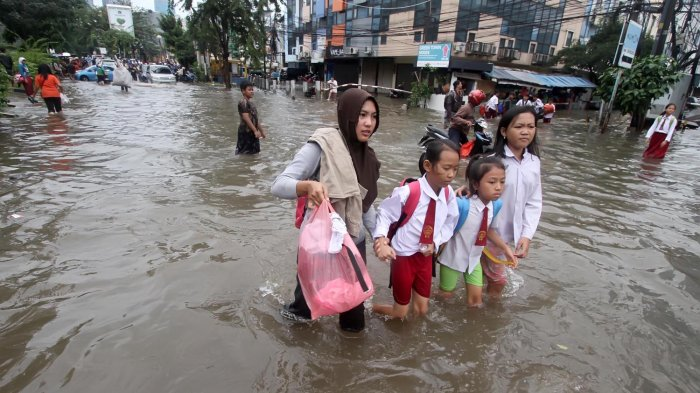 Banjir di Jakarta Antara Takdir dan Pilkada