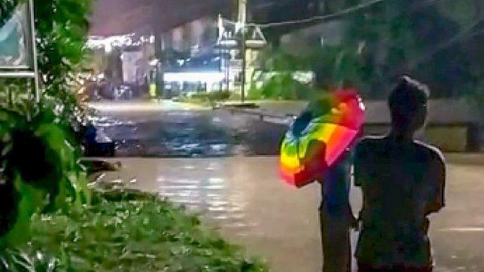 Siantar - Simalungun Dilanda Banjir, Arus Lalu Lintas Sempat Macet di Jalan Medan hingga Parapat