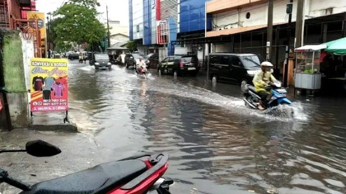 Cuma Setengah Jam Diguyur Hujan, Kota Medan di Wilayah Ini Langsung Tenggelam
