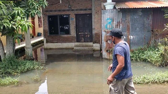 Peternakan Buaya Namorambe Tutup Parit, Penduduk Komplek Jakarta Tinggalkan Rumah Karena Kebanjiran