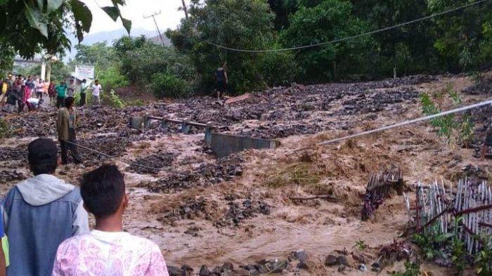 Banjir Bandang di Samosir, Rumah Terseret Arus dan Oppung Santa Situmorang Hilang