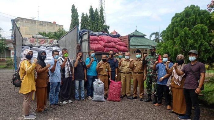 Dinas Pertanian Asahan Salurkan 5.000 Benih Bawang dari Satgas Covid-19 Sumut kepada Kelompok Tani