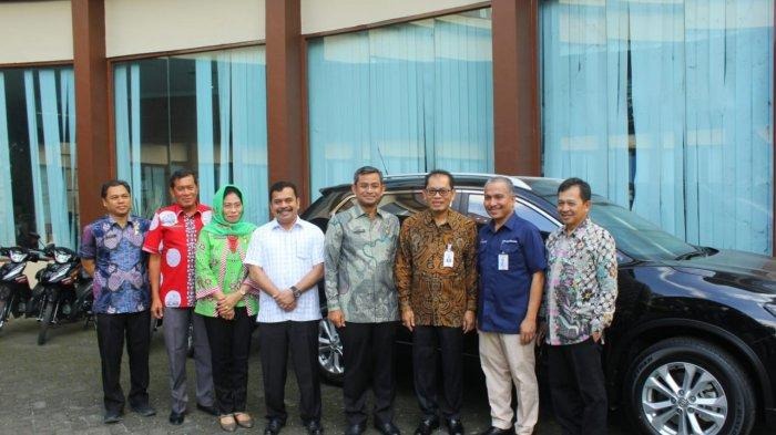 Pemberian Enam Unit Kendaraan Bentuk Kerjasama Bank Sumut dan Pemko Medan