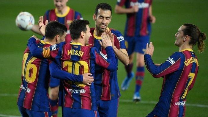 Megabintang Barcelona, Lionel Messi, bersama rekan-rekannya merayakan gol ke gawang Getafe pada laga lanjutan pekan ke-31 Liga Spanyol di Stadion Camp Nou, Jumat (23/4/2021) dini hari WIB.