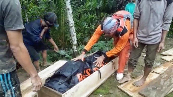 Jasad Korban Longsor di Nisel Terkubur Dalam Material, SAR Masih Cari Empat Korban Lagi
