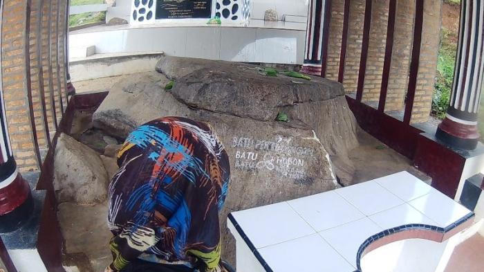 Geger, Batu Hobon Tempat Mula Bermukim Raja Batak Terbelah