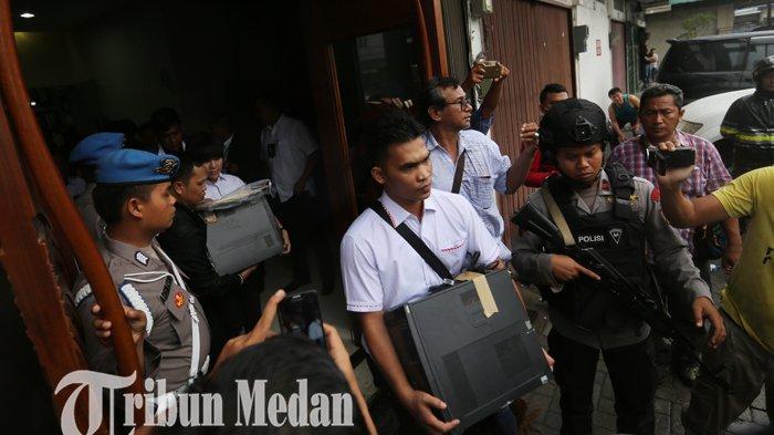Rumah dan Kantor Pengusaha Terkenal Dodi Shah Digeledah, Dikawal Polisi Bersenjata Laras Panjang