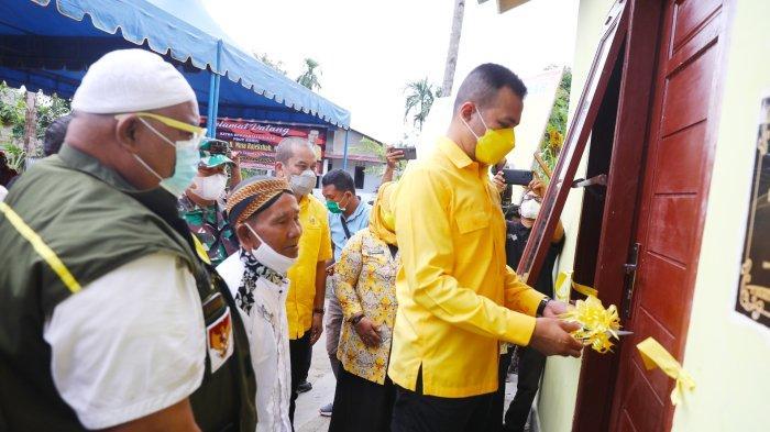 Golkar Sumut Membahagiakan Masyarakat, Ijeck Resmikan 7 Rumah usai Renovasi di Sibolga & Tapteng
