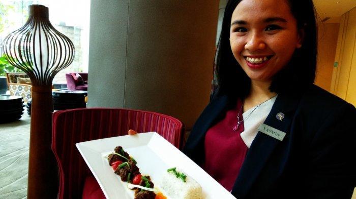Grand Mercure Angkasa Patahkan Stigma dengan Kreasi Beef Saksang Daging Sapi