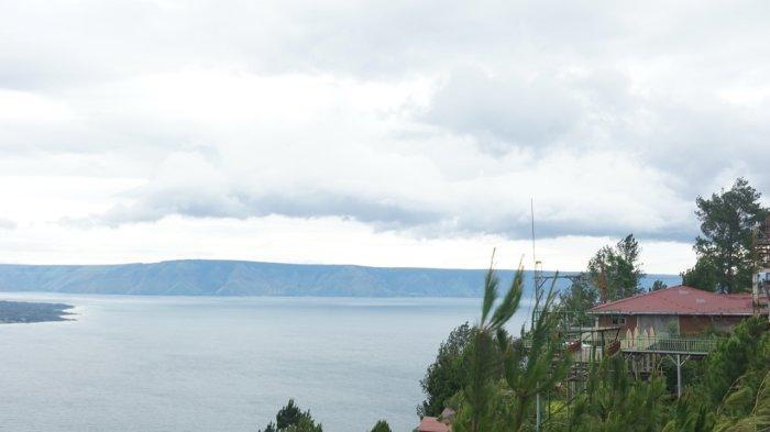 Bukit Indah Simarjarunjung, Lokasi Wisata yang Cocok untuk Melihat Keindahan Danau Toba