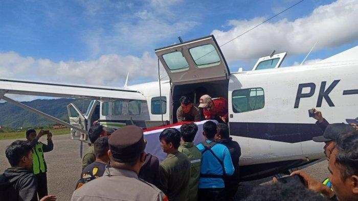 Evakuasi jasad Bharada Kurniadi