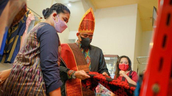 Tetapkan 11 Baju Adat, Bobby Nasution Kembali Jadikan Keberagaman Medan sebagai Kekuatan