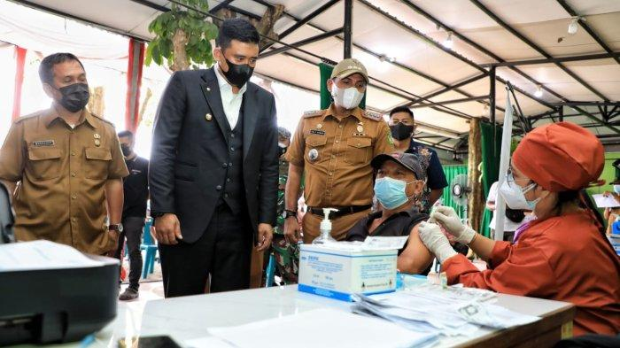 Bobby Nasution Tinjau Vaksinasi Covid-19 Jemput Bola di Kecamatan Medan Johor