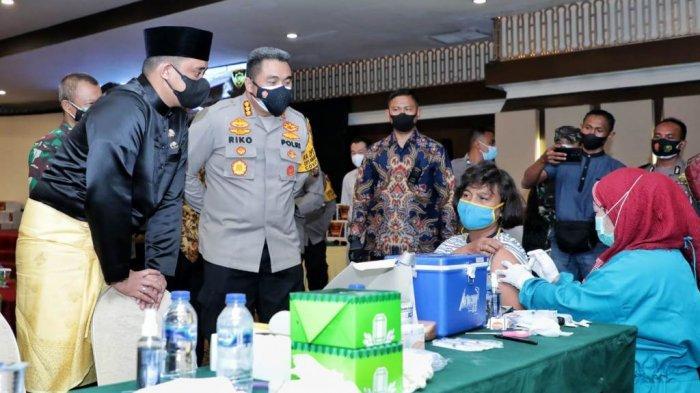 Tinjau Vaksinasi Covid-19 yang Digelar Alumni Akpol 1995, Begini yang Disampaikan Bobby Nasution