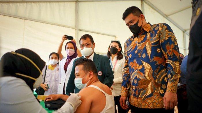 Bobby Nasution Tinjau Vaksinasi untuk Supir Angkutan Umum, Ditargetkan Seluruh Supir Divaksin