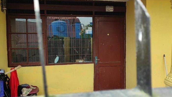 Suasana rumah pemilik anjing yang dikabarkan menggigit seorang anak sampai meninggal dunia di Perumnas Simalingkar A, Kelurahan Mangga, Kecamatan Medan Tuntungan, Rabu (16/6/2021)