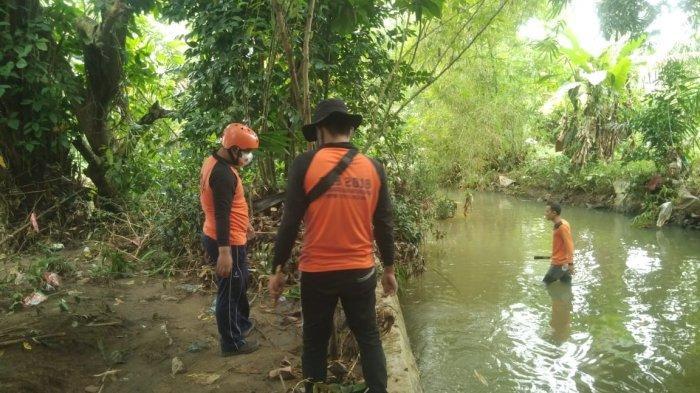 Antisipasi Banjir, Personel BPBD Binjai Sisiri Sungai Bersihkan Sampah, Ranting dan Tanah