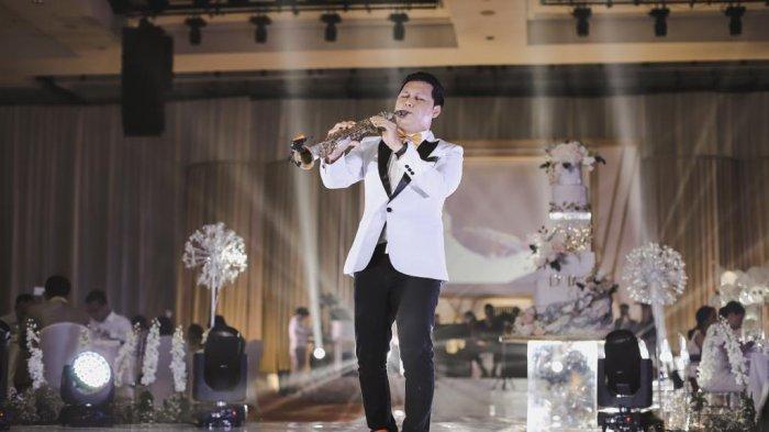 SOSOK Brian Harefa, Anak Pulau Yang Keliling Dunia Lewat Saksofon