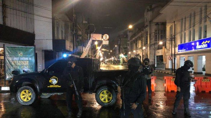 Polda Sumut Libatkan Personel Brimob Patroli Malam Pascabom Bunuh Diri di Makassar
